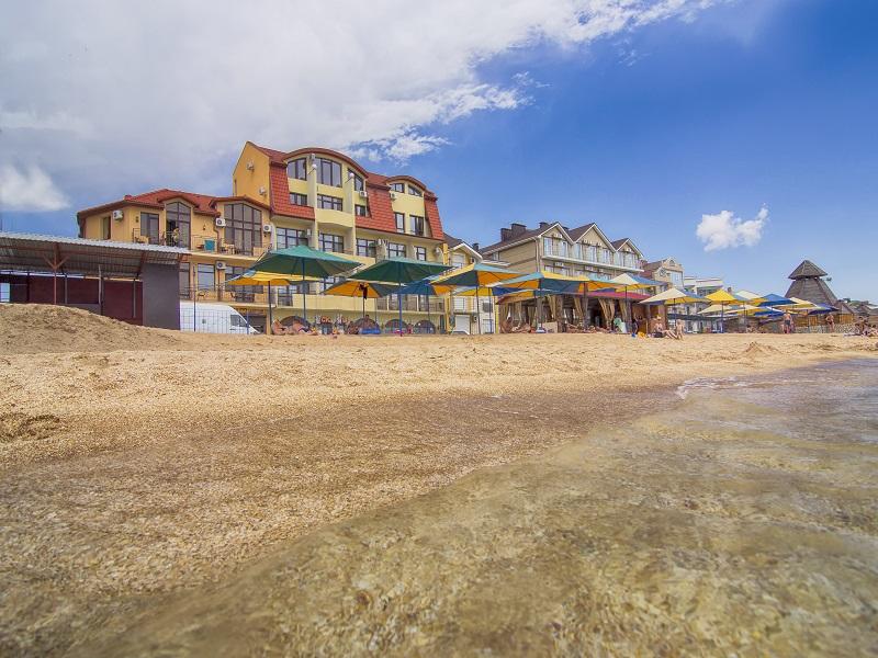 Дома в Калаврита недорого на берегу моря